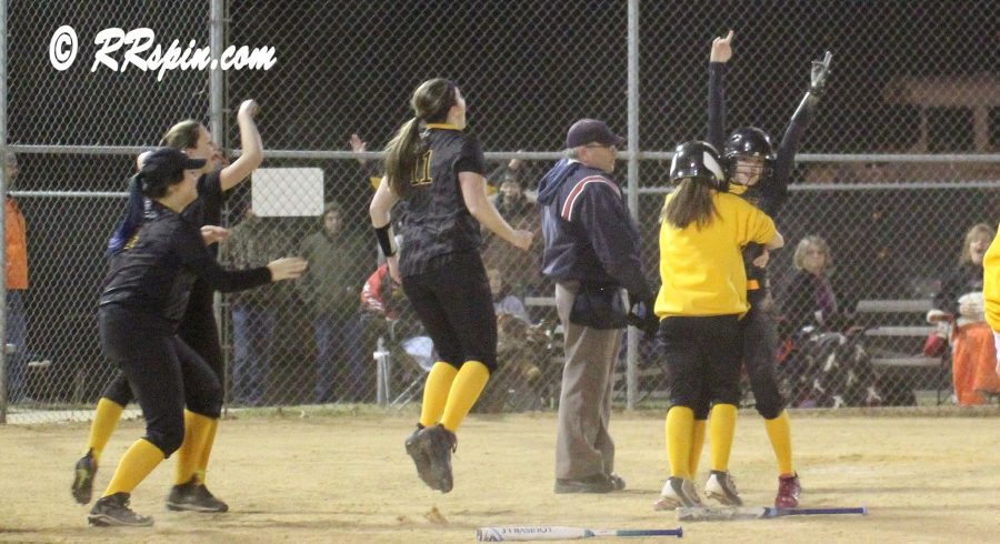 Lady Jackets win a nail biter in bottom of seventh