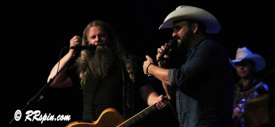 Jamey Johnson and Ray Scott on stage at the Roanoke Rapids Theatre Friday night.